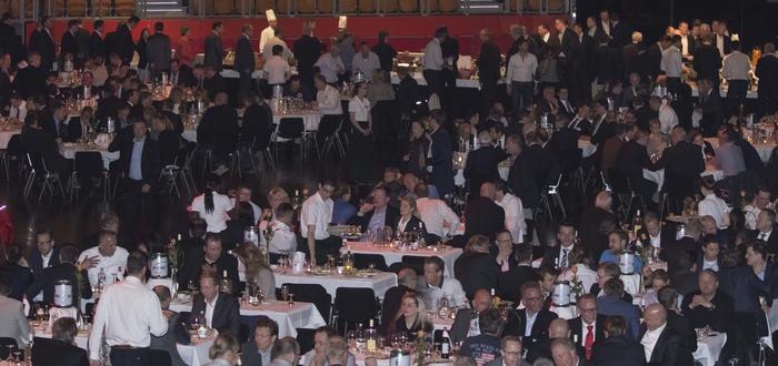 """Die Verleihung fand vor ca. 1000 Gästen im Rahmen der eft/bft-Abendveranstaltung anlässlich der Messe """"Tankstelle&Mittelstand"""" in Münster statt."""