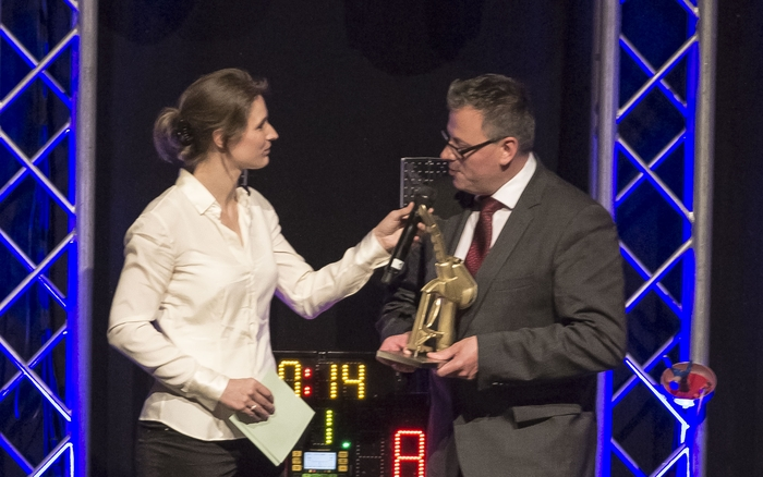"""Markus Mössner, Gewinner in der Kategorie """"Shop 70-100m²"""", im Gespräch mit Britta Heidemann."""