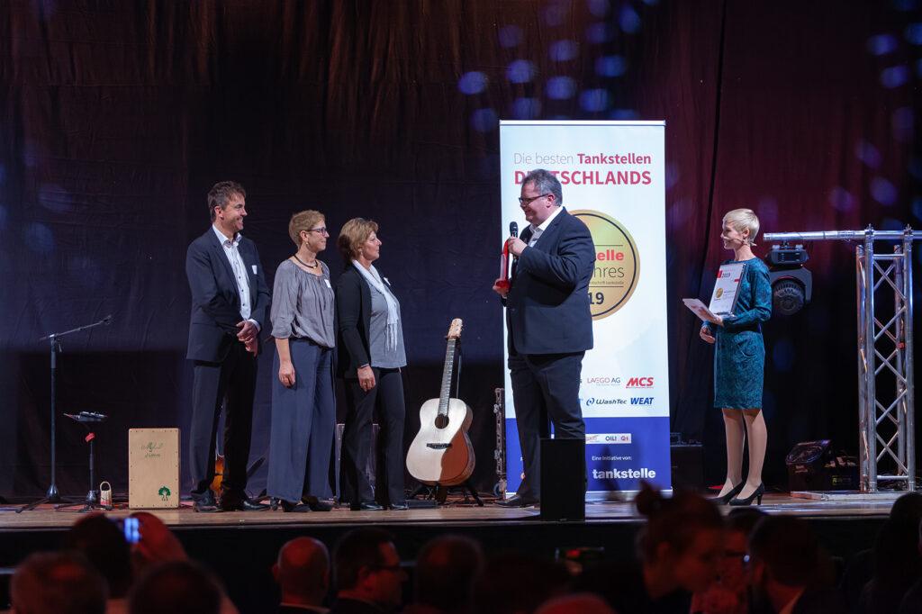 """Die Herm-Tankstelle in Mosbach wird """"Tankstelle des Jahres"""" 2019 in der Kategorie Innovation."""