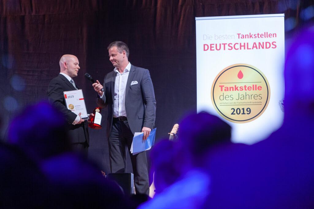 """In der Kategorie """"Autowäsche"""" wird die Heumann-Station zur Tankstelle des Jahres 2019 gekürt."""