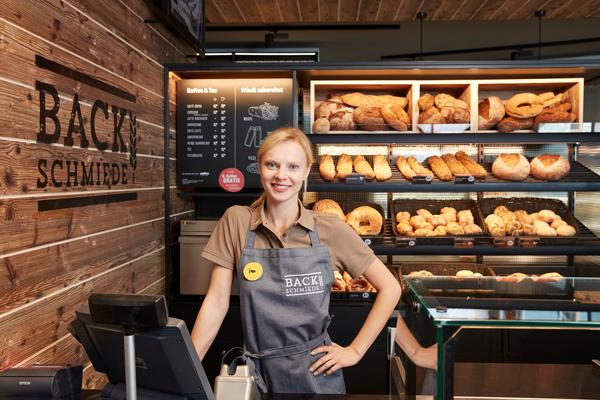 Da mag der Shop so gut aussehen wie der will - wenn das Personal freundlich ist, krönt das jeden Einkauf. Dann kommen Kunden auch gerne wieder.