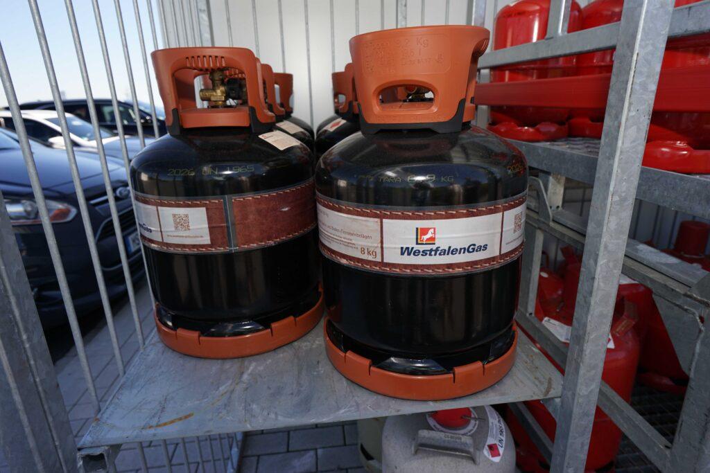Gasflaschen gibt es an vielen Westfalen-Stationen. Das gehört mit zum Gesamtkonzept und soll weiter ausgebaut werden.